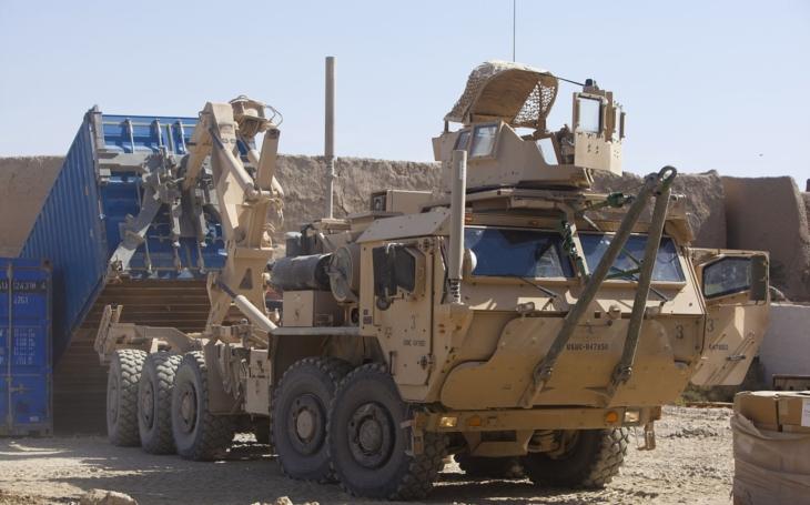 Vojenské logistické vozidlo &quote;Oshkosh LVSR&quote;