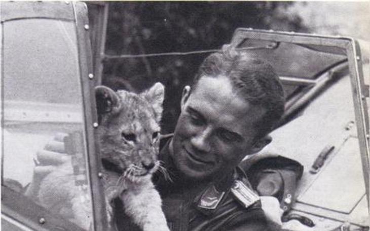 Notorický útěkář a ,,falešný baron&quote; Franz von Werra: Uprchl z britského zajateckého tábora a opět se zapojil do bojů. Dokázal to jako jediný německý pilot