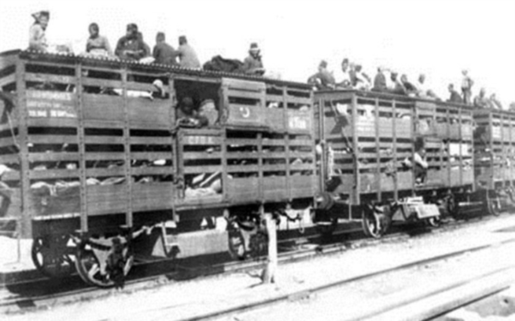 24. dubna 1915 začala systematická genocida Arménů. Turci jich povraždili během tří let až 1,6 milionu