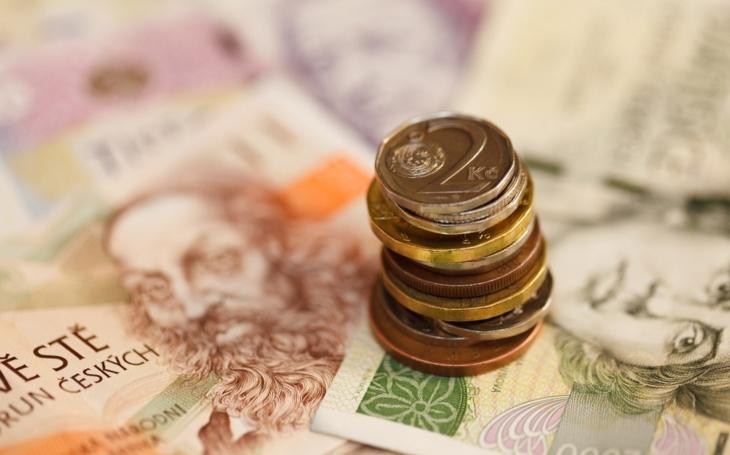 Stát ve čtvrtletí vybral na DPH i firemních daních více