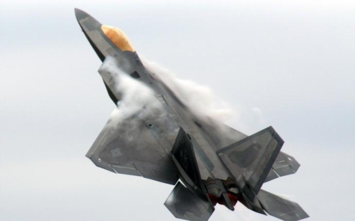 Počítá ještě US Air Force někdy s F-22?