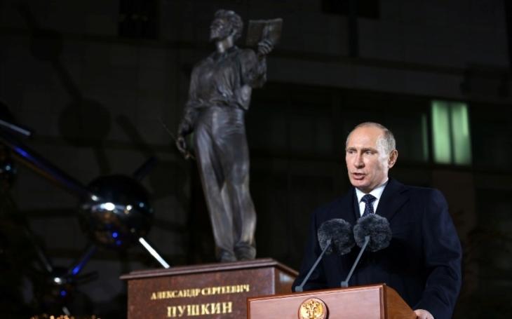 Kreml: Putin se nezabývá myšlenkou dalšího mandátu