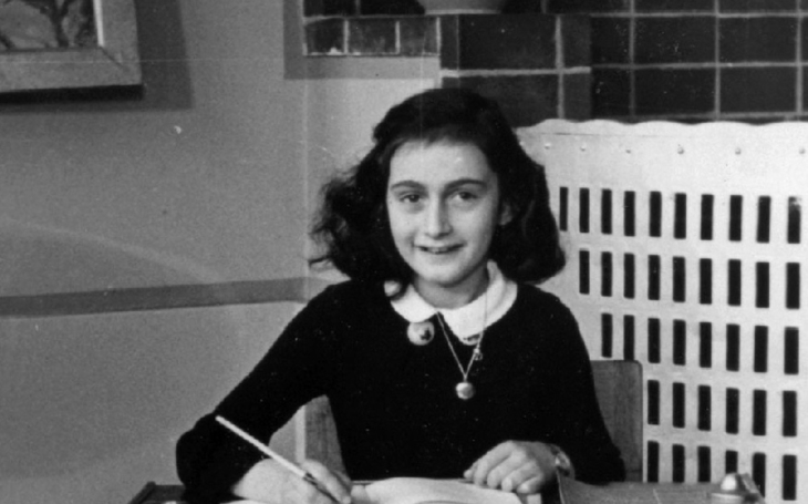 Experti rozluštili dvě zakryté stránky deníku Anne Frankové