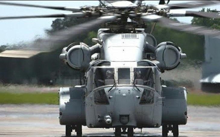 Americká námořní pěchota obdržela první  těžký transportní vrtulník CH-53 King Stallion. Nahradí starší CH-53E Super Stallion