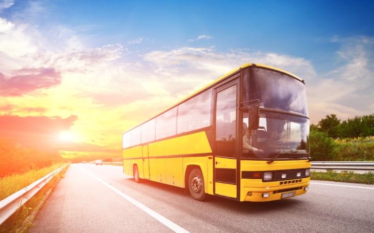 Společnost Hikvision nabízí bezpečnější a chytřejší cestování autobusem