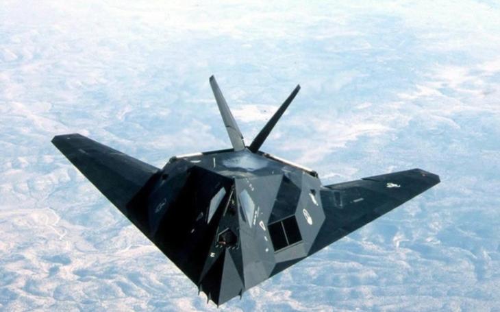 Debaty o reaktivaci F-117 Nighthawk jsou nejspíš jen nostalgickou iluzí. Oslnivý ,,stealth comeback&quote; se zřejmě konat nebude