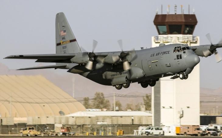 Záhada ukradeného letounu C-130 nešťastným americkým seržantem. Byl sestřelen, nebo udělal fatální chybu?