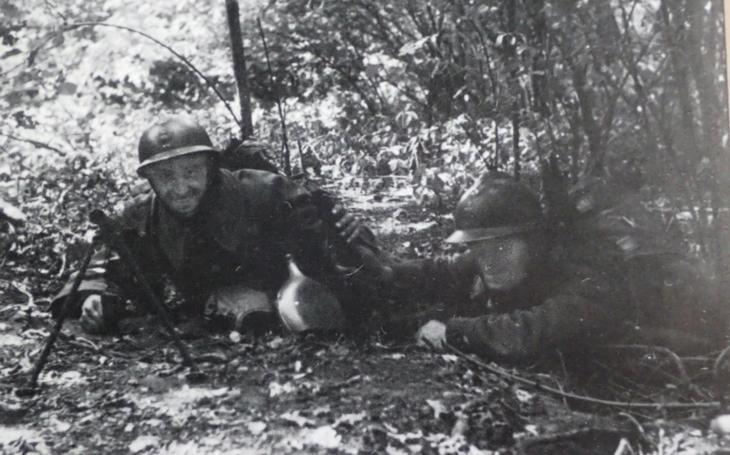 Čechoslováci proti sudetským Němcům na francouzsko-německé frontě 1940: vojenské archivy promluvily