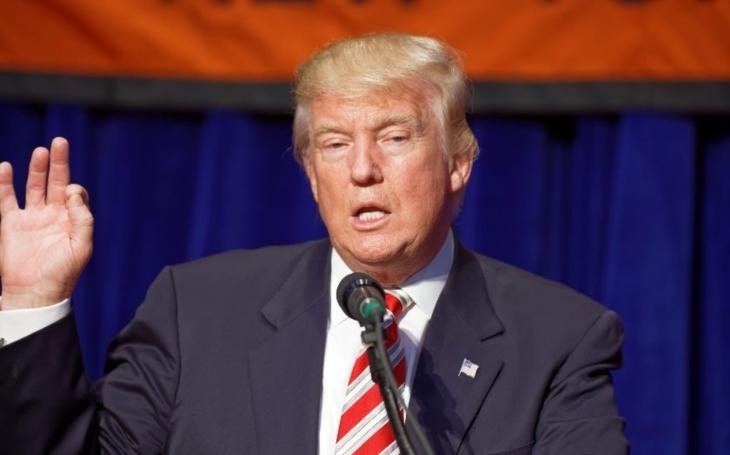 Londýn chválí Trumpovo vypovězení smlouvy, Berlín chce uvážlivost