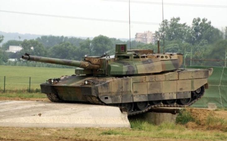 Francouzský tank Leclerc si podmaní každé bojiště