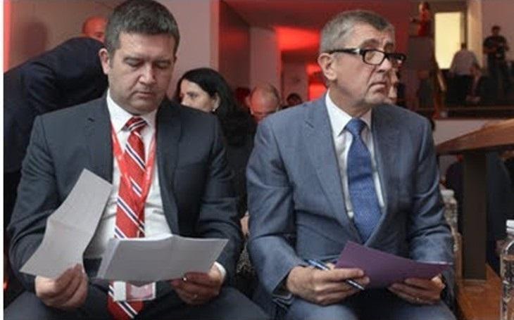 KOMENTÁŘ: Sociální demokraté na cestě z vlády. Neuměli prodat své úspěchy, míří do zapomnění
