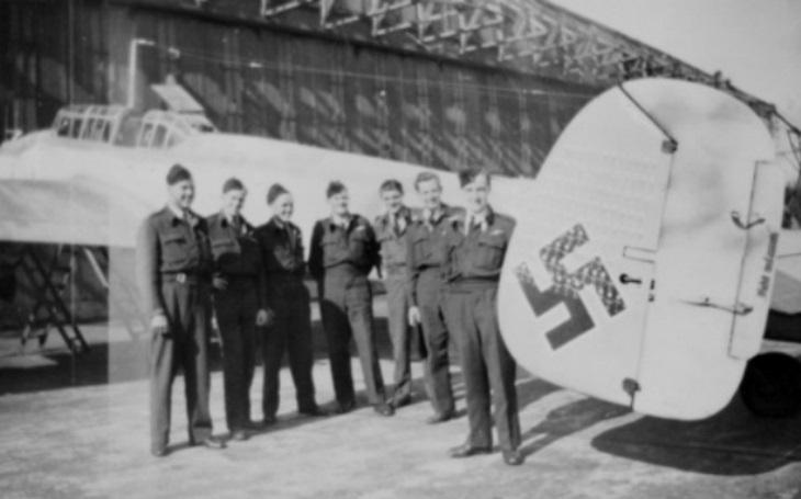 Německé noční stíhací eso dokázalo sestřelit sedm britských bombardérů během 19 minut