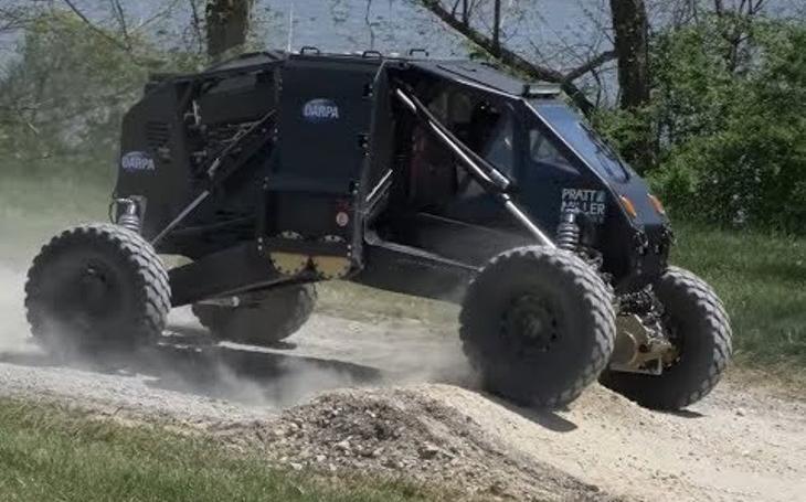 Automobilka Pratt & Miller vyvinula bojové vozidlo budoucnosti se speciálním odpružením METS