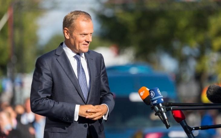 Tusk lídrům zemí EU: Evropa musí kontrolovat, kdo do ní směřuje