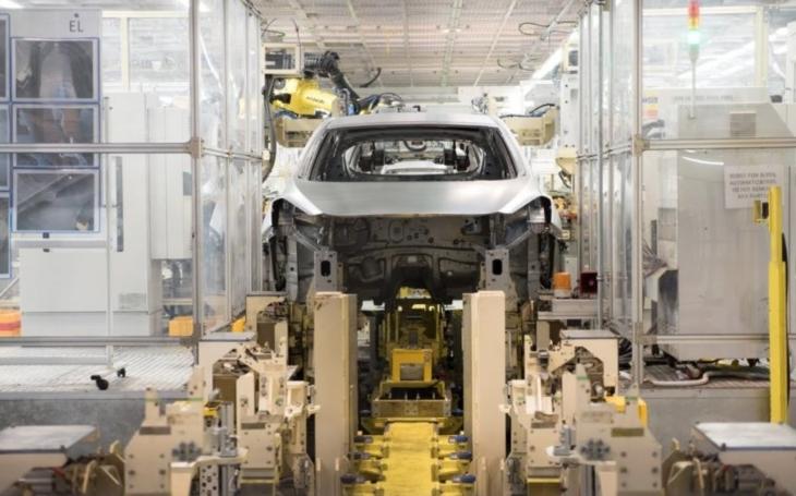 Analytici: Průmysl v květnu nezklamal, čeká jej ale zpomalení