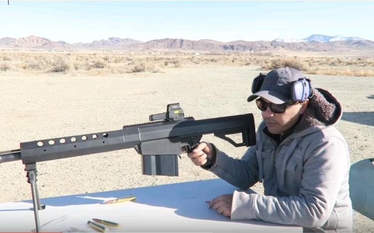 Puška Serbu BFG-50A vs. nepriestrelné sklo