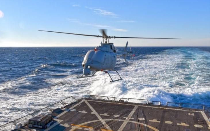 Japonsko by mohlo koupit americký bezpilotní jednomotorový vrtulník MQ-8C Fire Scout