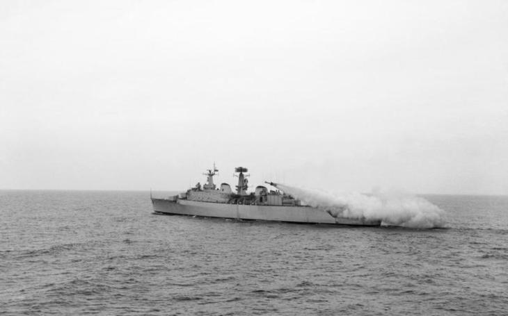 Horká studená válka: Když sovětská loď zaútočila na britskou helikoptéru