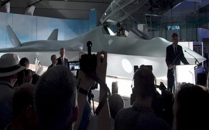 Model letounu 6. generace Tempest byl představen na airshow v britském Farnborough. Bude moci létat i bez pilota