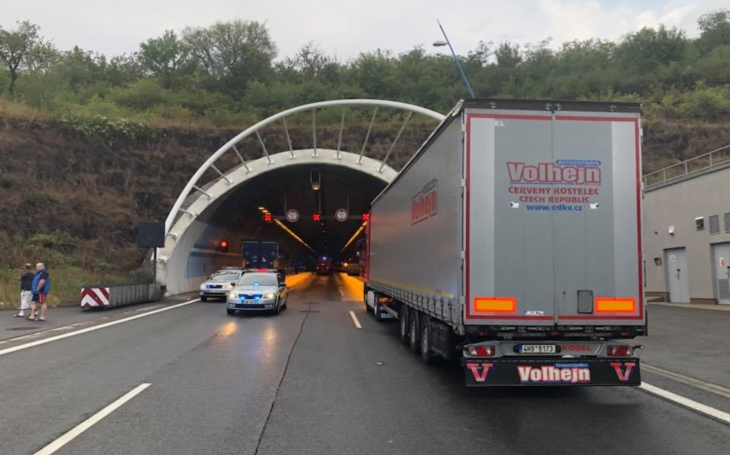 Byli jsme na místě: video od uzavřeného Lochkovského tunelu