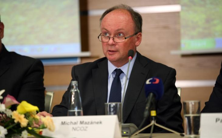 Šéf NCOZ Mazánek míří na místo právníka policejní letecké služby