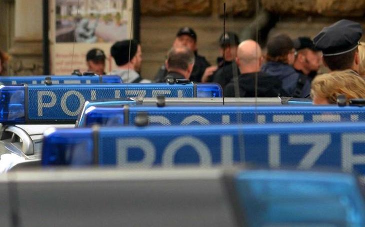 Útočník z autobusu v Lübecku je obviněn z pokusu o vraždu