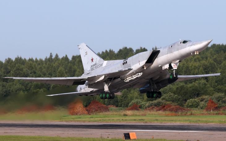 Modernizované bombardéry Tu-22M3M ponesou i střely Kinžal