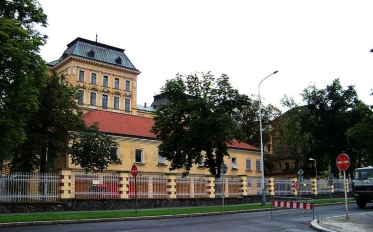 Ministerstvo obrany opět manipulováno lobbisty z Omnipolu