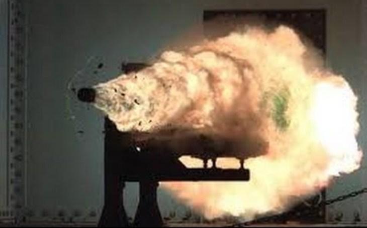 Projekt amerického railgunu je mrtvý. V kurzu jsou nyní hypersonické zbraně