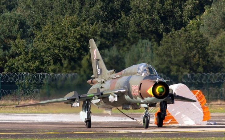 VIDEO: Současnost stíhacího bombardéru  Su-22