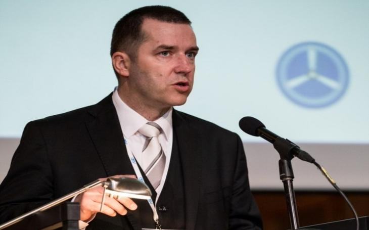 """""""Přál bych si, aby náš ústav byl odbornou veřejností vnímán jako expertní Národní centrum pro letectví a vesmír,"""" říká v rozhovoru pro Security magazín ředitel VZLÚ Josef Kašpar"""