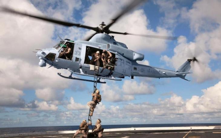 Vrtulníky Bell poskytly leteckou podporu při nácviku obojživelných schopností Námořní pěchoty USA a spojenců v Tichomoří