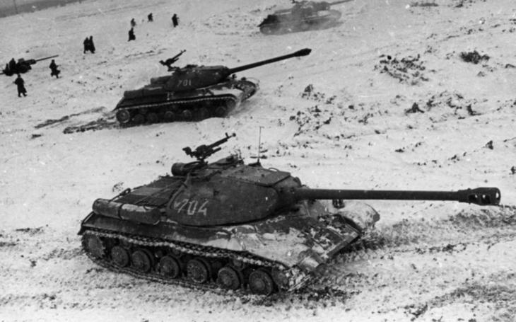 Tank IS-3 – Stalinův těžký tank, co nebojoval s nacisty, ale zasahoval v Maďarsku a Československu