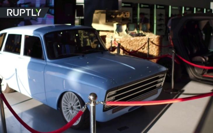 Konkurence pro Teslu? Společnost Kalašnikov představila retro elektromobil CV-1