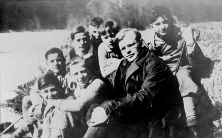 Statečného kněze a bojovníka proti nacismu Dietricha Bonhoeffera oběsili těsně před koncem války. Od záchrany ho dělily pouhé dny