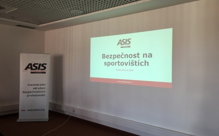 Zástupci policie, ministerstva vnitra a manažeři fotbalových klubů řešili Bezpečnost sportovišť
