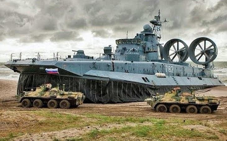 Na východě Ruska začaly mohutné manévry Vostok 2018