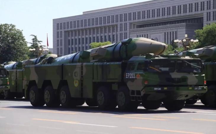 Čínský zabiják amerických letadlových lodí - raketa DF-26