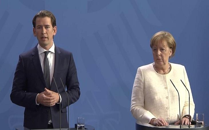 Merkelová a Kurz se vyslovili pro zlepšení ochrany hranic EU