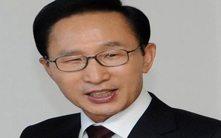 Jihokorejský exprezident I Mjong-bak dostal 15 let za korupci