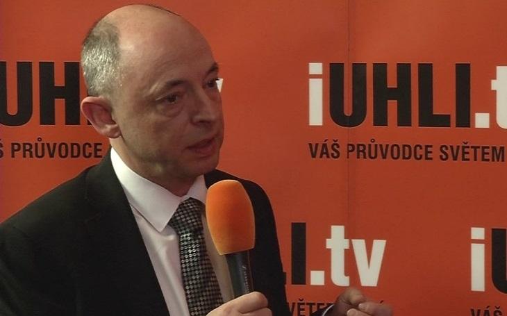 Nezákonně odvolaný předseda ERÚ se brání ústavní stížností