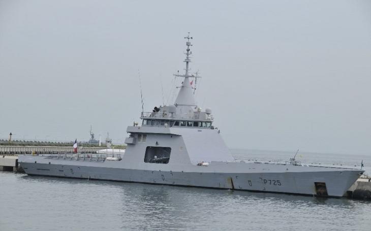 Francie chce Ázerbájdžánu dodat bojové lodě i zbraňové systémy