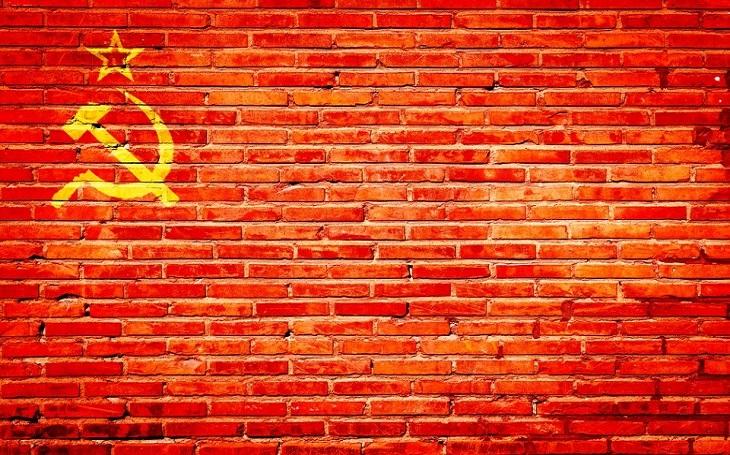 Jak se Putinovi a Rusům stýská po Sovětském svazu