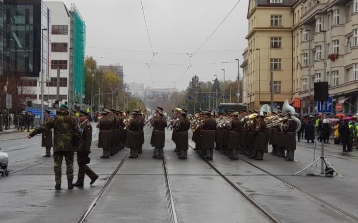 Slavnostní přehlídka ke 100. výročí vzniku Československa ukázala současnou techniku armády, záchranného systému a dalších složek