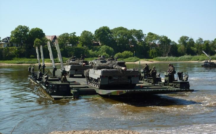 Británie a Německo prohlubují spolupráci v oblasti ozbrojených sil