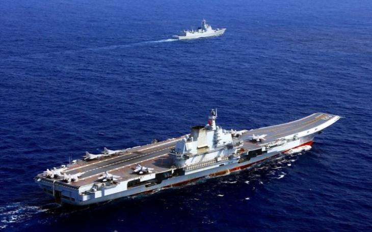 Čína jako velmoc letadlových lodí? Do roku 2022 může mít už čtyři