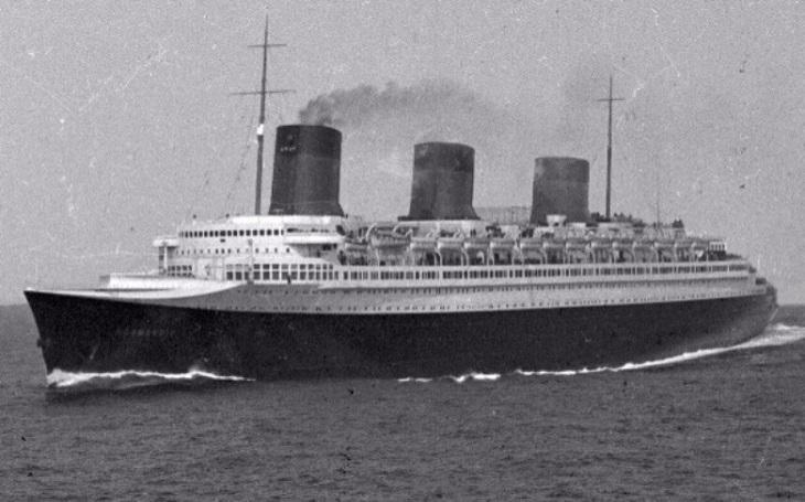 Smutný osud ,,francouzského Titaniku&quote;. Založil někdo požár SS Normandii úmyslně?