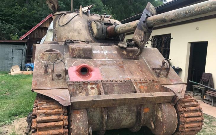 KVH 16. obrněná divize US Army rekonstruuje tank M4 Sherman