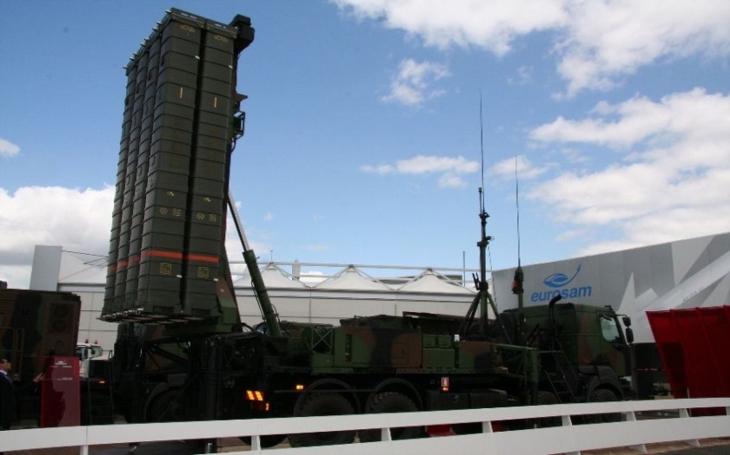 Francie připravuje dodávku protivzdušných systémů do Ázerbájdžánu