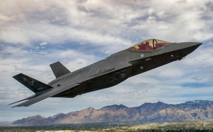 Čína a Rusko si ,,brousí&quote; zuby na japonský letoun. Ztracená F-35 jako možná velká ostuda pro USA